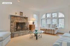 14 Towhee Trail, East Hampton