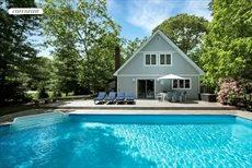 128 Harbor Blvd., East Hampton
