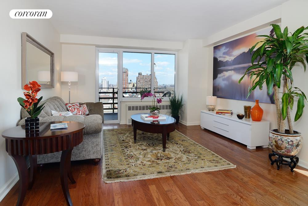 392 Central Park West, Apt. 16R, Upper West Side