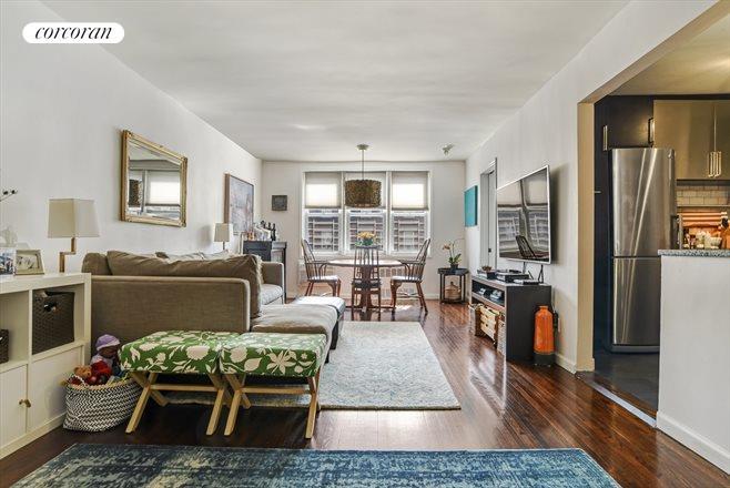 400 East 17th Street, 609, Living Room