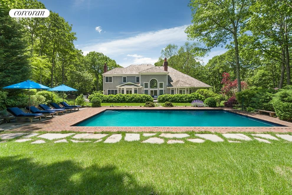 Corcoran, 14 Old School House Lane, East Hampton Real Estate