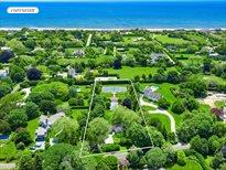 33 Apaquogue Road, East Hampton