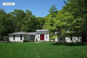 Newly Listed Close To Village, East Hampton