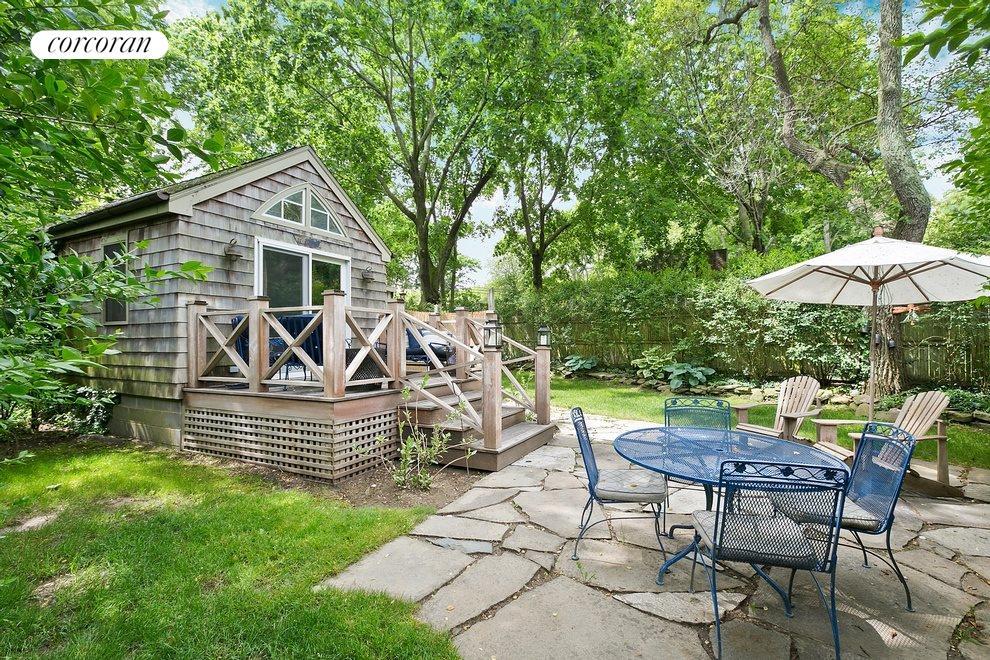 Detached guest cottage