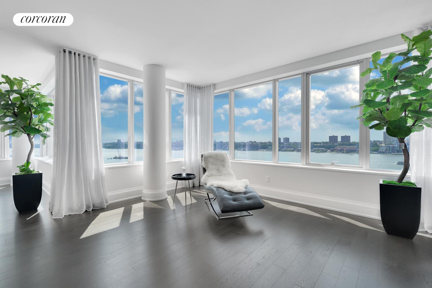 50 Riverside Blvd, 18E, Living Room