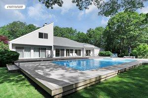 15 Fox Hollow Drive, East Quogue