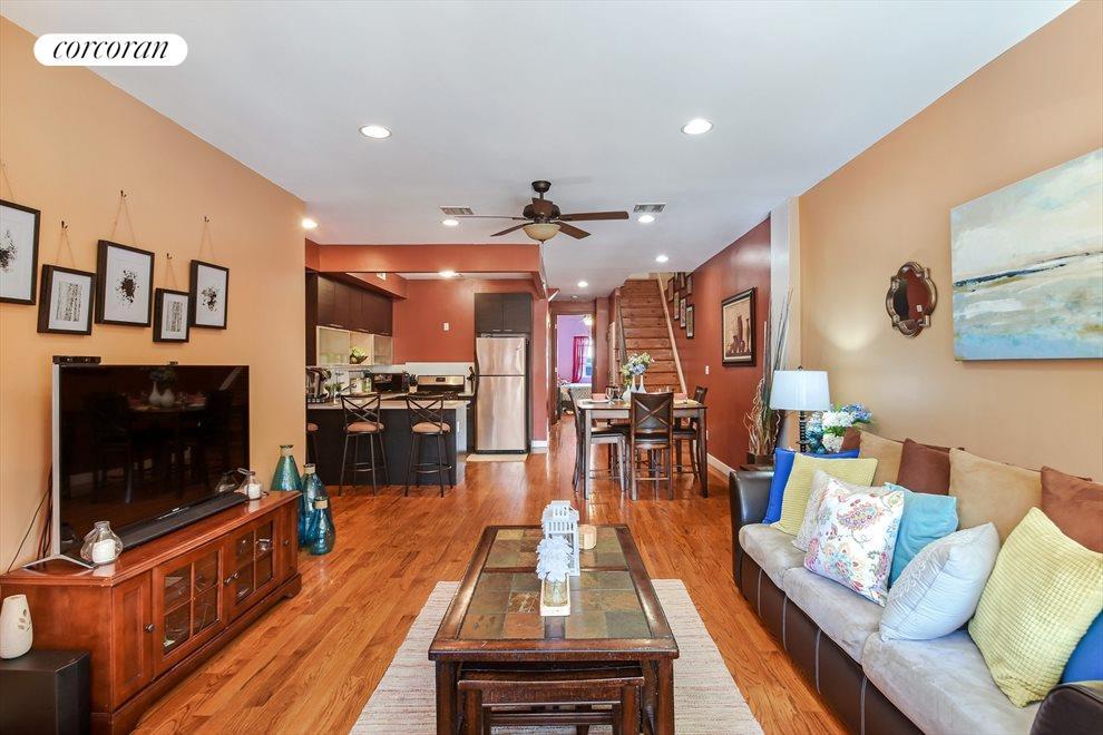 Large Open Living Room/Dining Room Floorplan