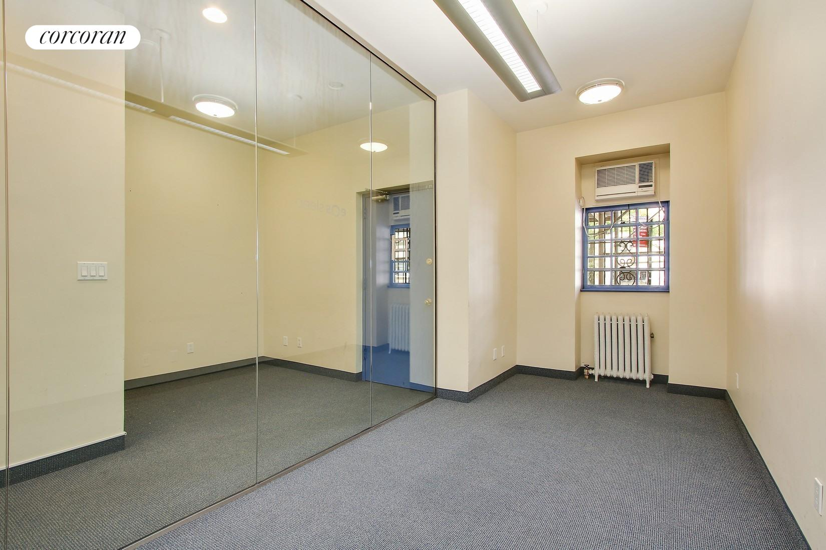 8 West 86th Street, Ground Flo, Large Waiting Area
