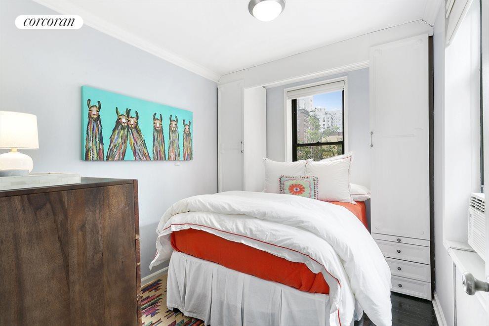 4 Second Bedroom