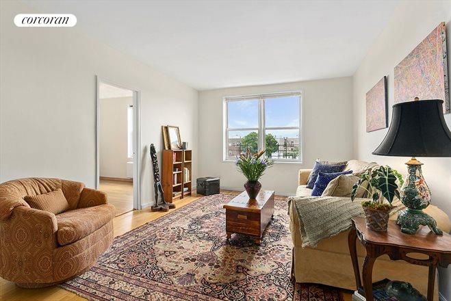 616 East 18th Street, 5J, Living Room