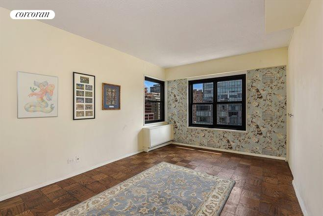 111 East 85th Street, 15F, Living Room