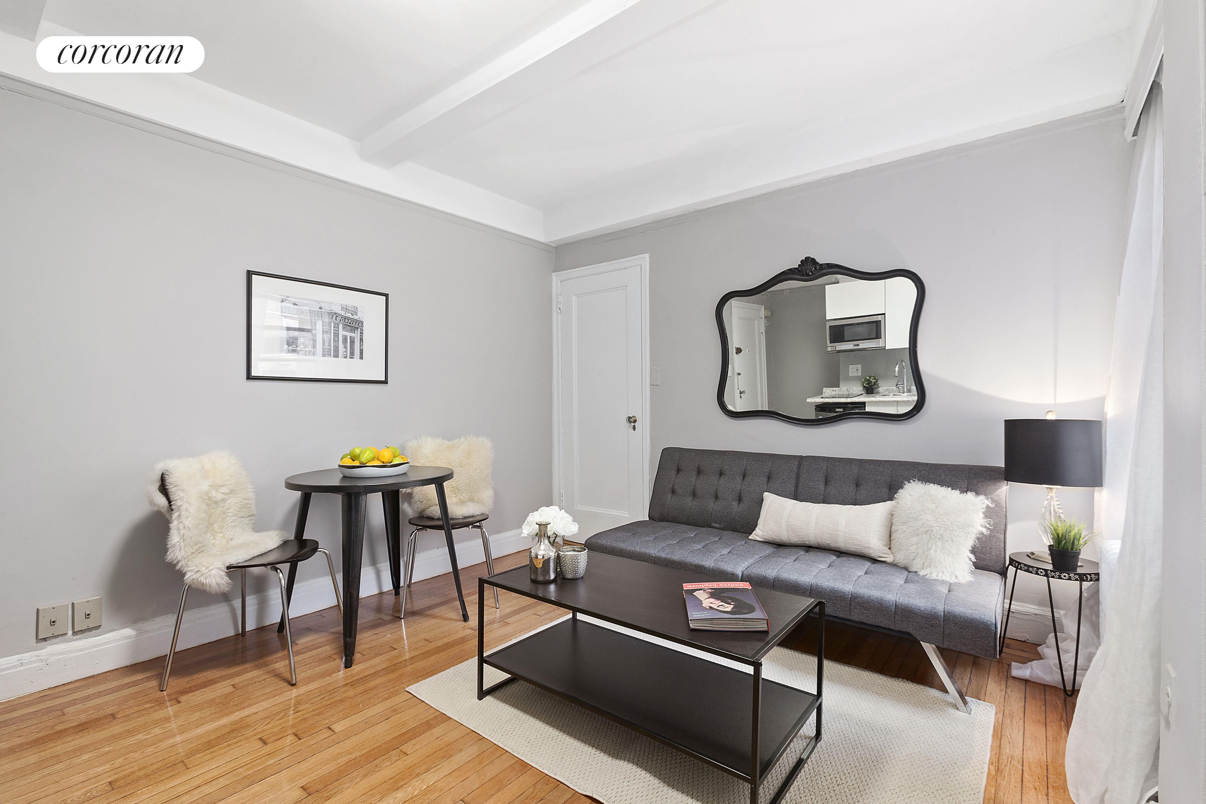 325 West 45th Street, 603A, Living Room