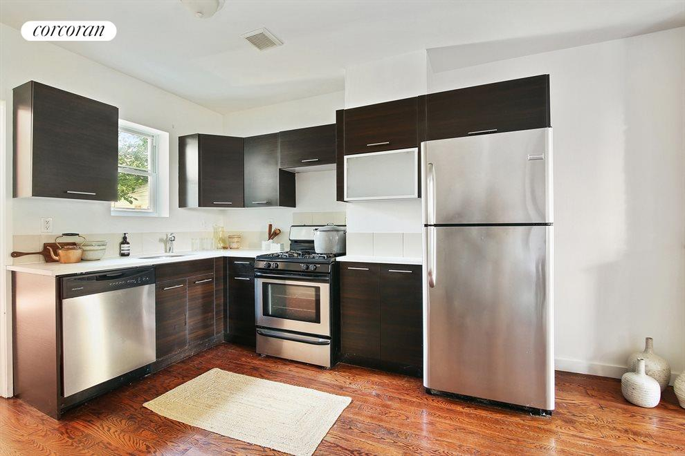 Open Kitchen with Full Sized Appliances