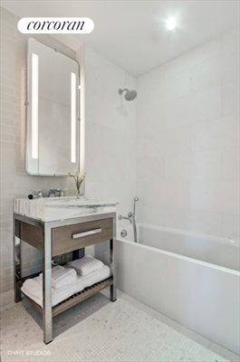 New York City Real Estate | View 389 East 89th Street, #5A | Bathroom