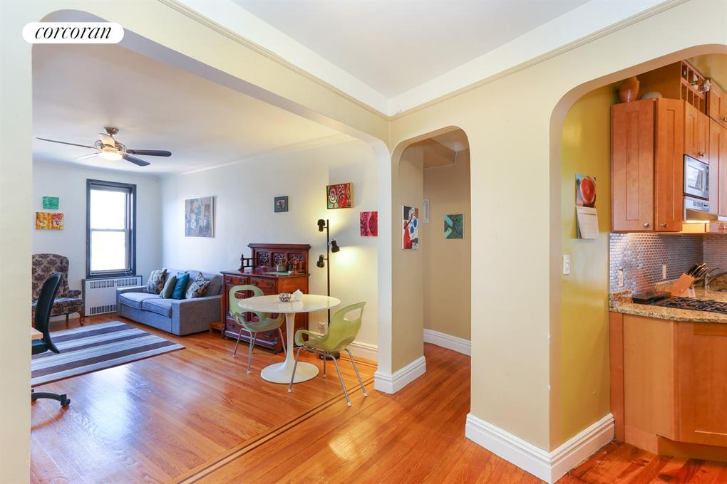 40 Ocean Parkway, Apt. 6L, Windsor Terrace