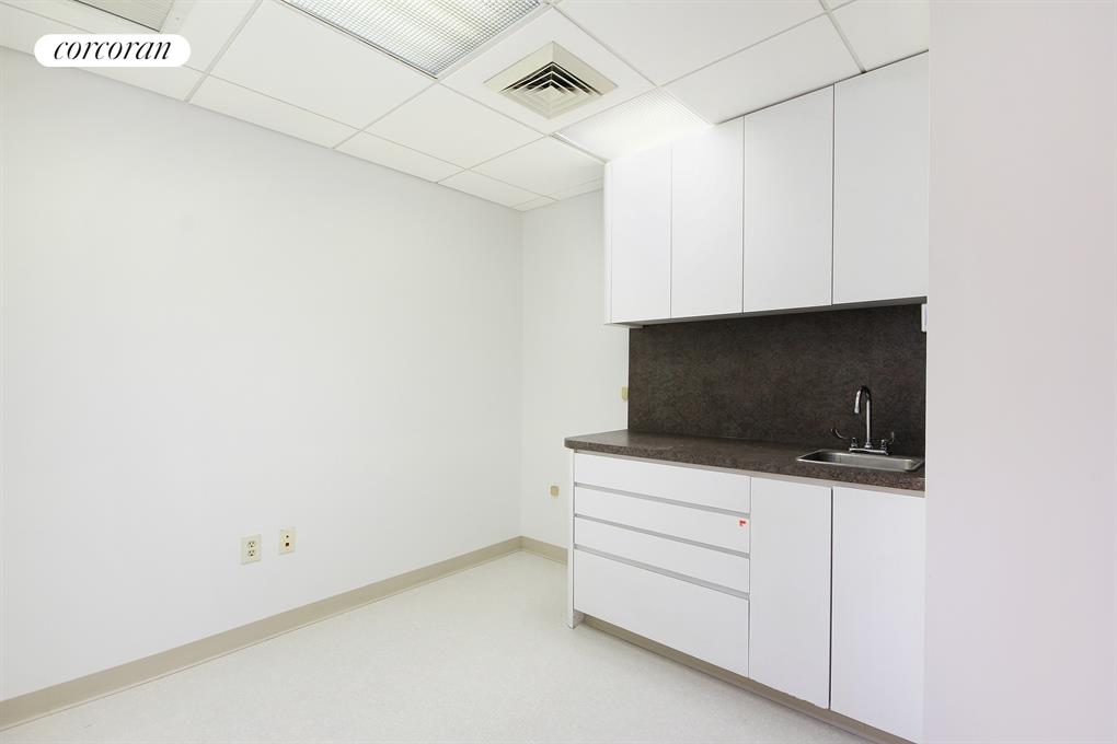 130 West 86, MEDICAL, Waiting Room