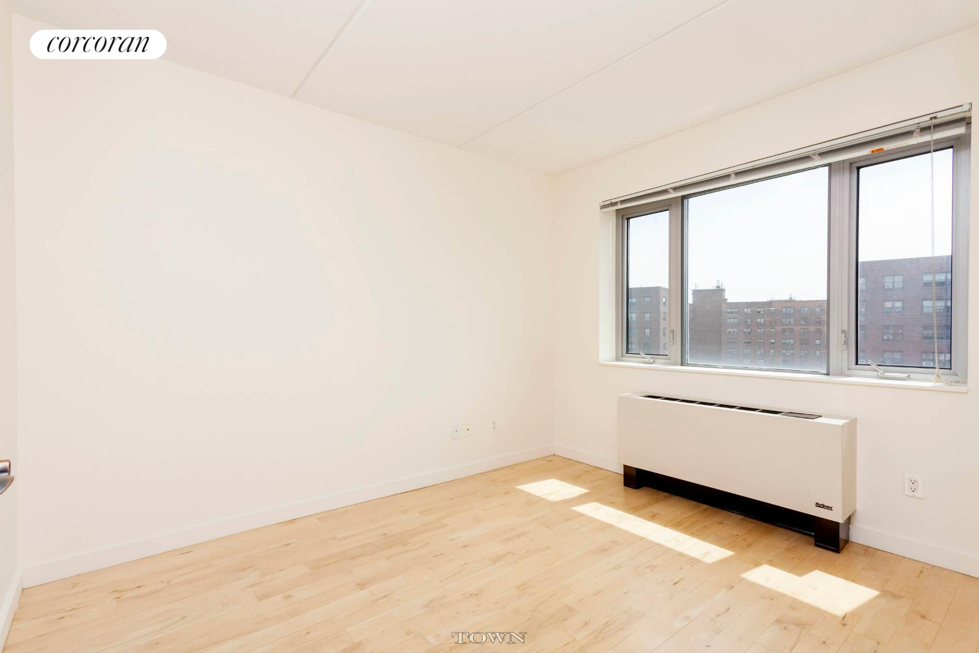 1810 Third Avenue, A11D, Living Room