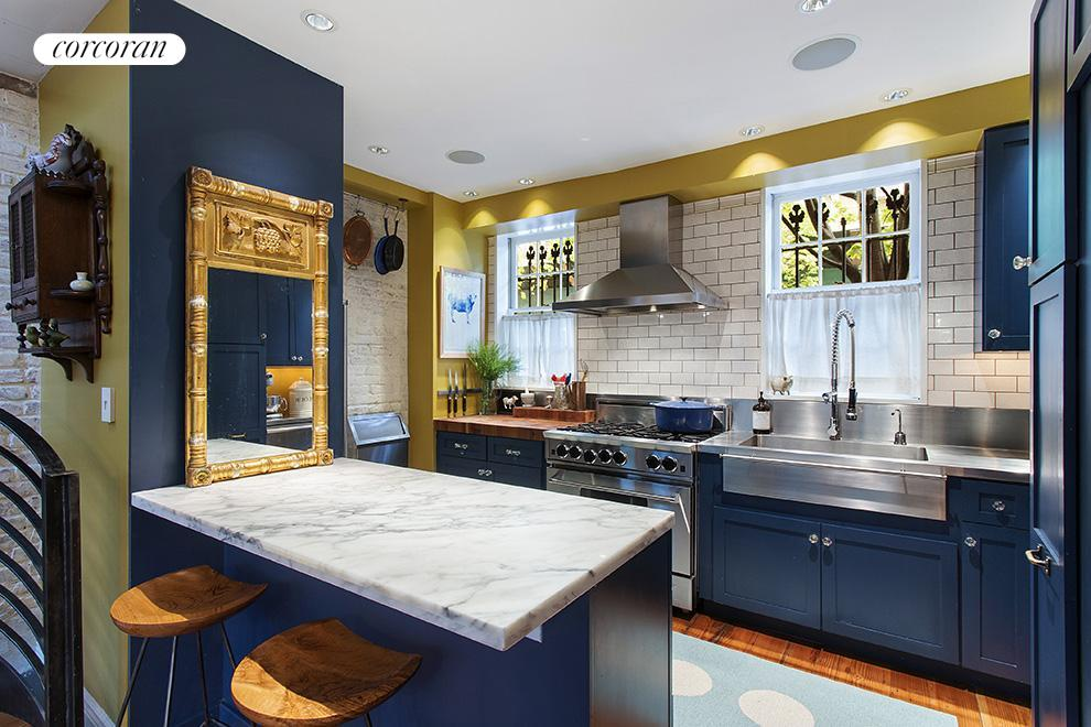 Corcoran 112 nevins street boerum hill real estate for Blue kitchen units sale