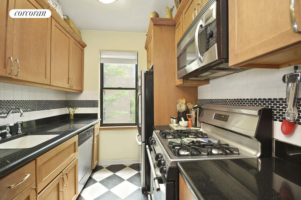 72 PARK TERRACE WEST, Apt. E37, Inwood