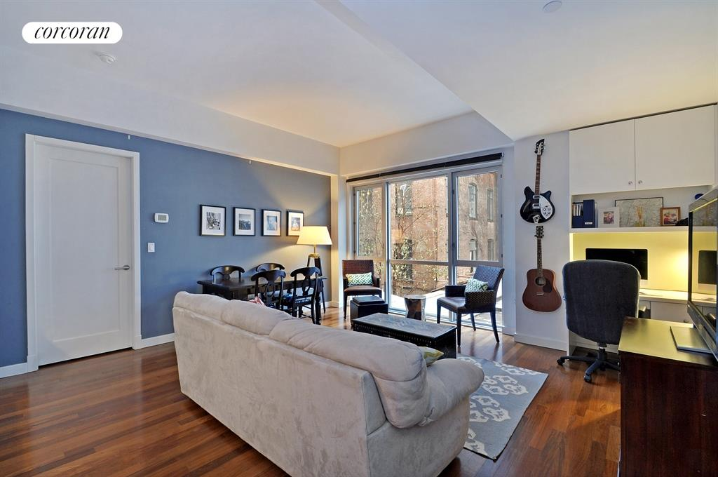 125 North 10th Street, N2D, Living Room