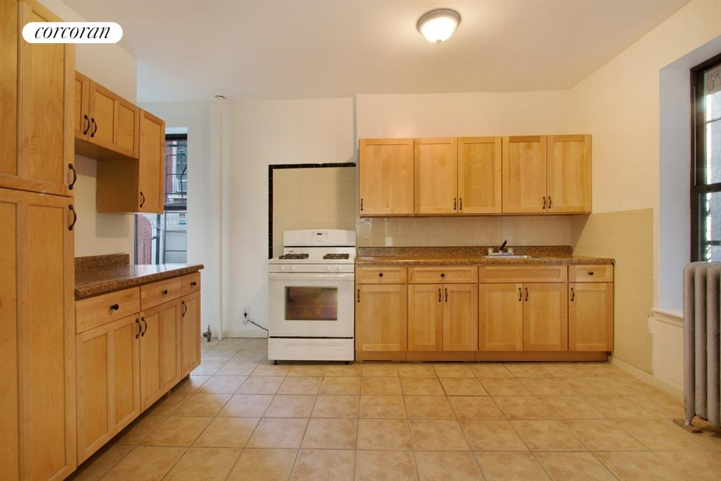 78 Kingston Avenue, 2, Kitchen