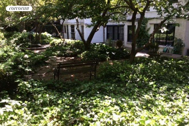 111 East 10th Street, 2, Common Garden