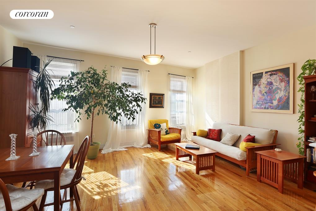 789 SAINT NICHOLAS AVE, 4, Living Room