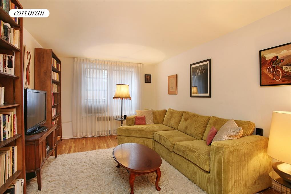330-40 HAVEN, 3P, Living Room