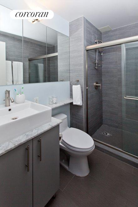 Modern Master Bathroom En Suite