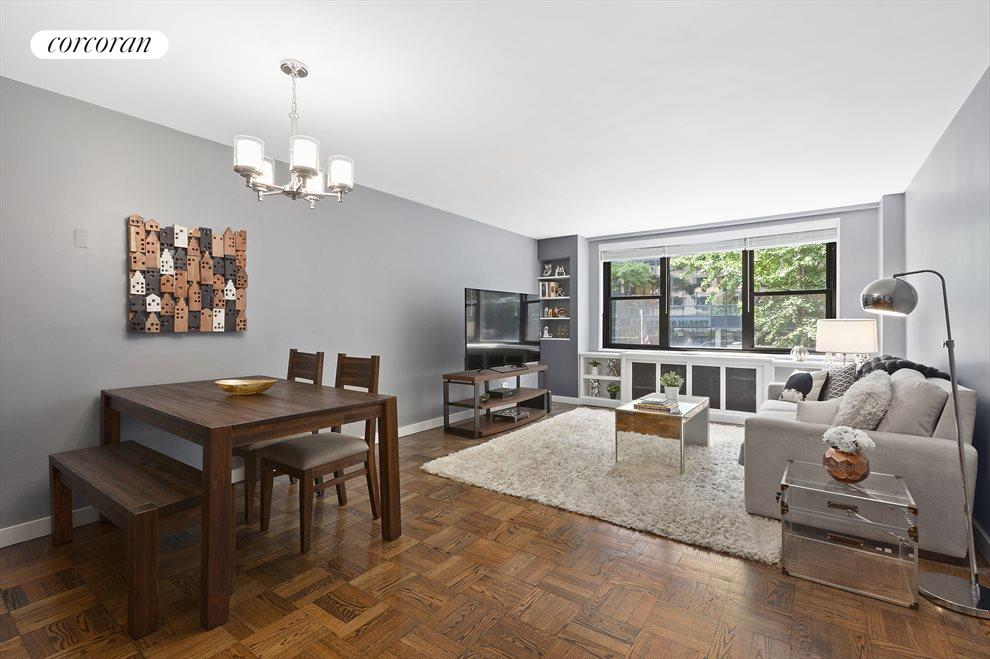 Spacious living & dining area with Southern light