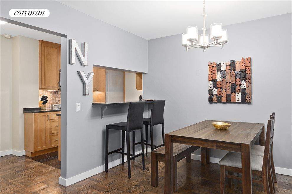 Dining area w/ open kitchen