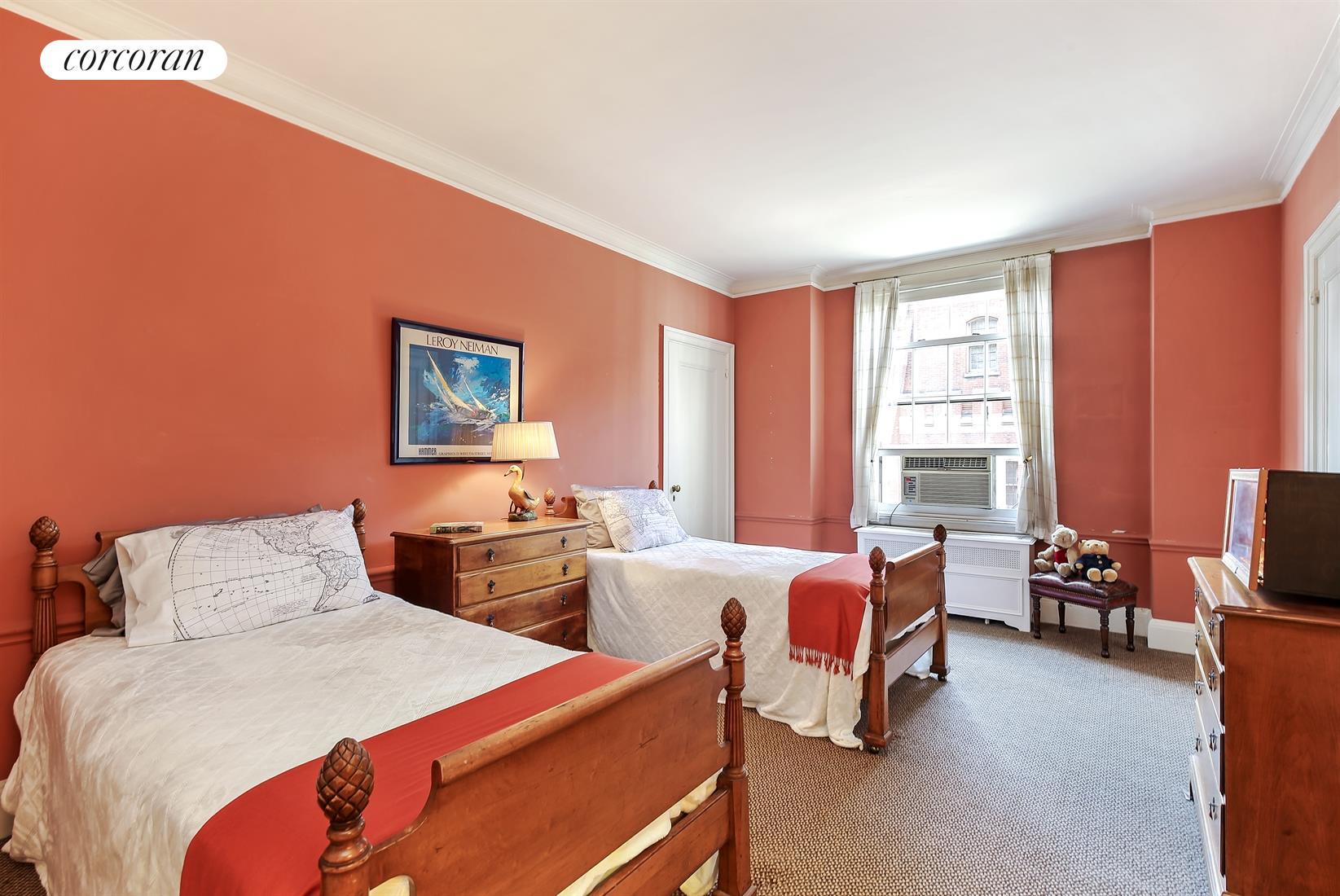 655 Park Avenue, 5E, Living Room