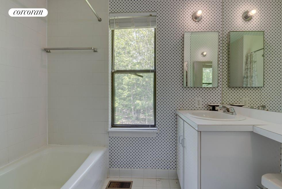 New York City Real Estate | View 83 Toppings Path | Bathroom