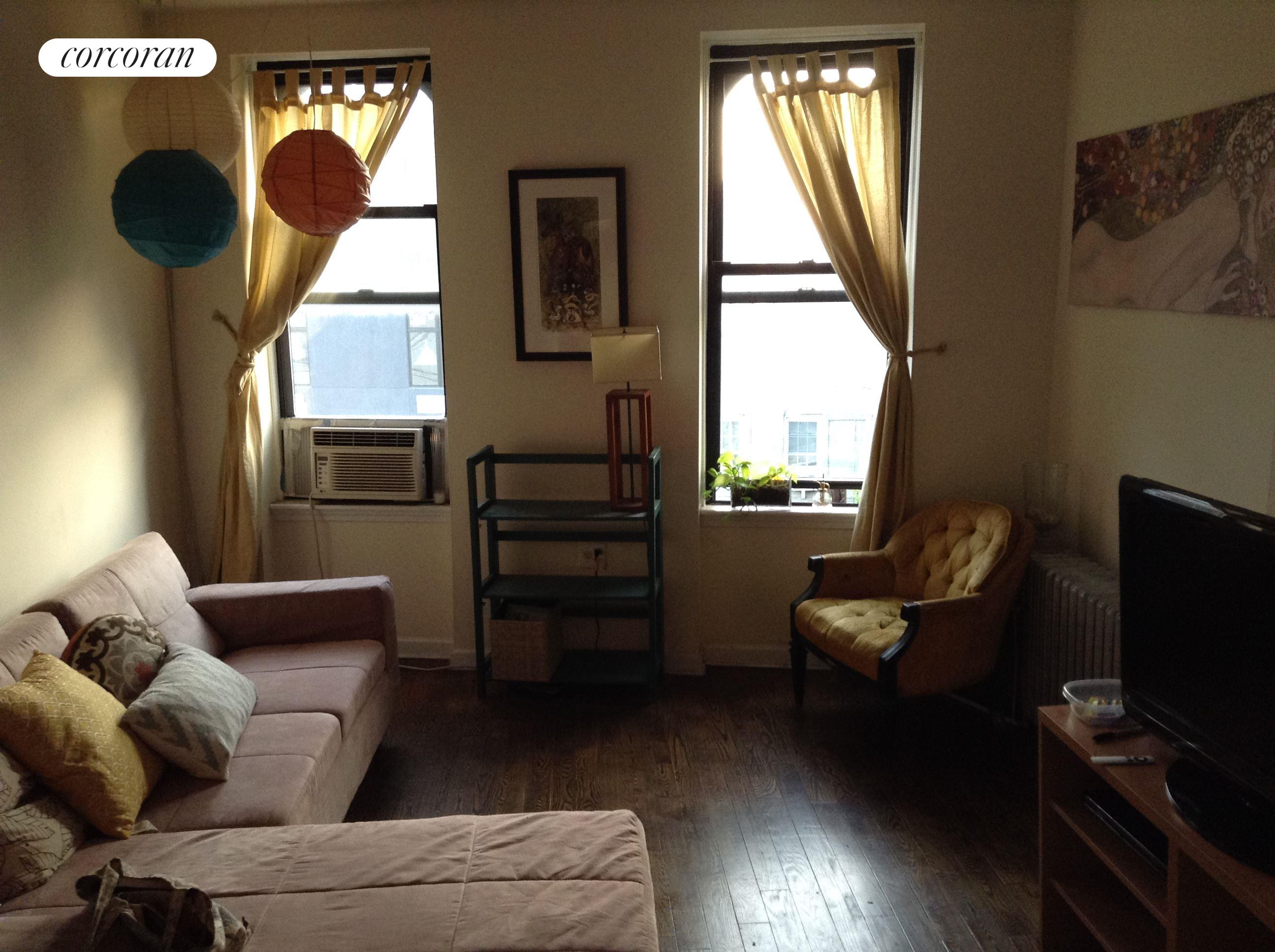134 Kingsland Avenue, Apt. 3L, Greenpoint