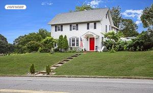 428 Montauk Highway, East Moriches