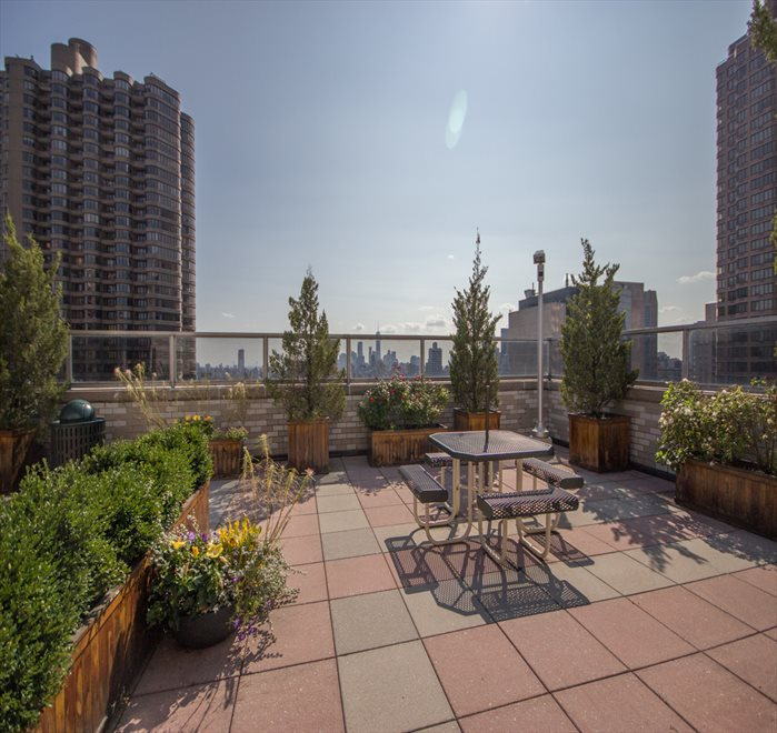 New York City Real Estate | View 300 East 40th Street, #11N | room 13