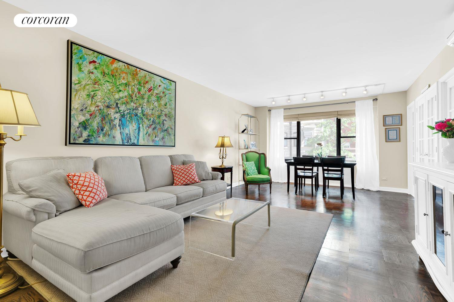 2 Fifth Avenue, 2R, Living Room