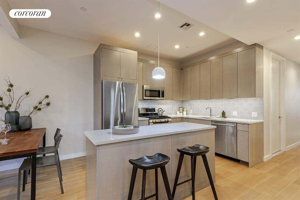 Designer Kitchen w Movable Island