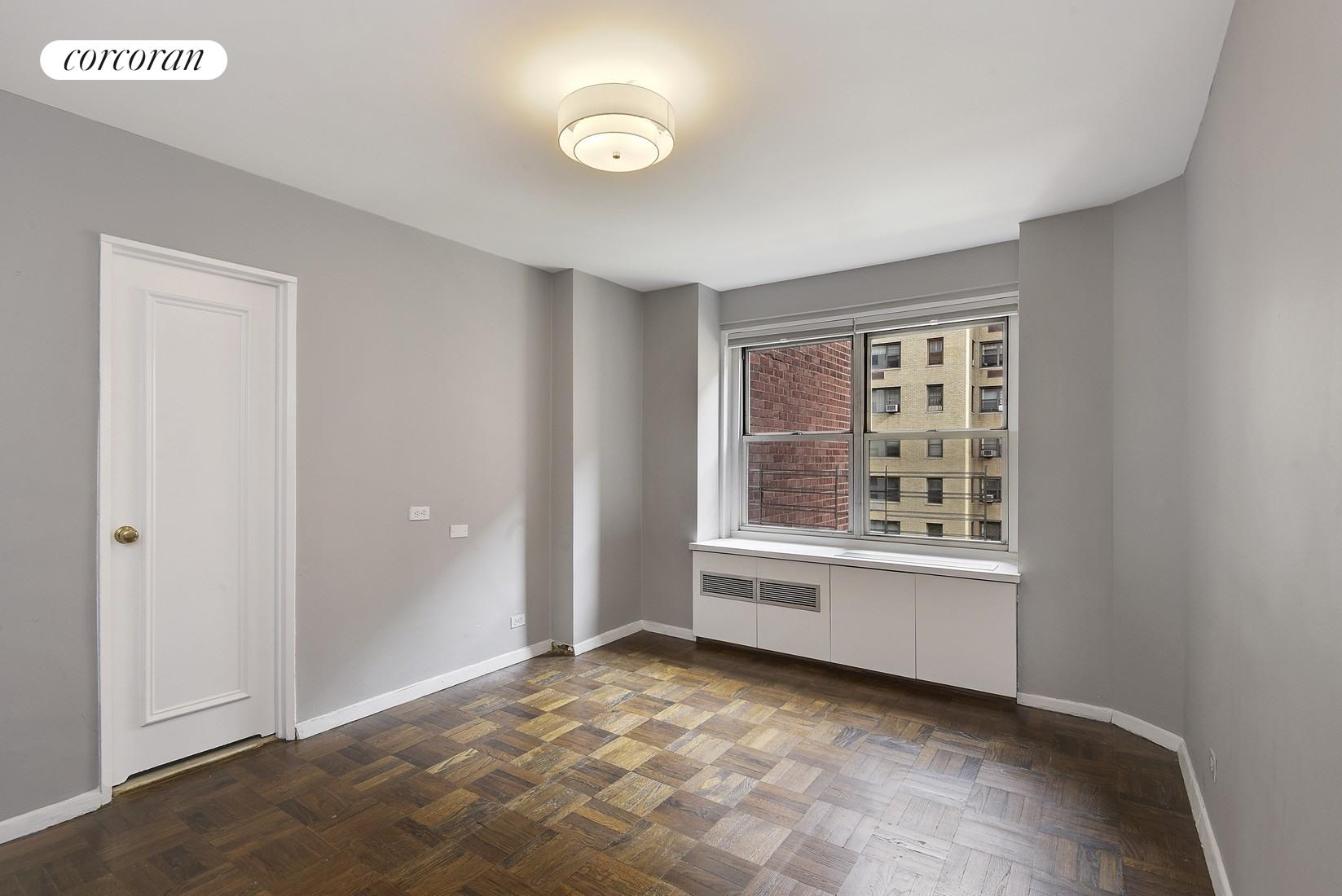 440 East 79th Street, 6D, Elegant Full-Service Building