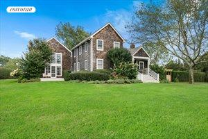 323 Butter Lane, Bridgehampton