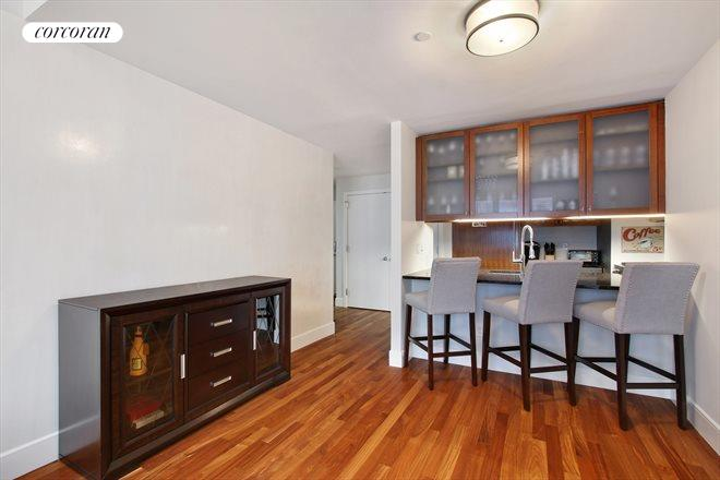 250 East 53rd Street, 802, Living Room