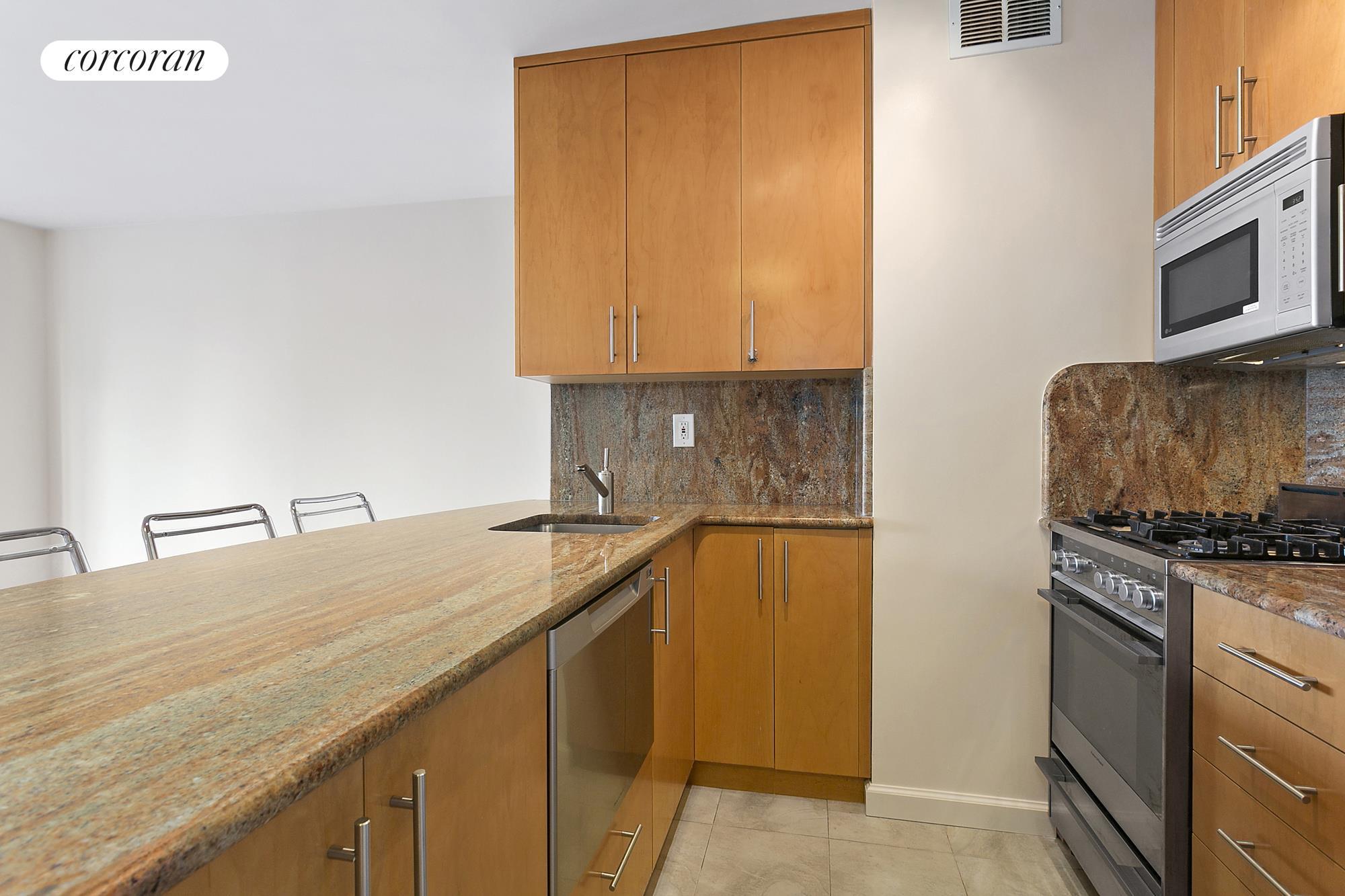 Corcoran 300 East 62nd Street Apt 2501 Upper East Side