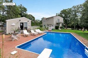 71 Springs Fireplace Road, East Hampton