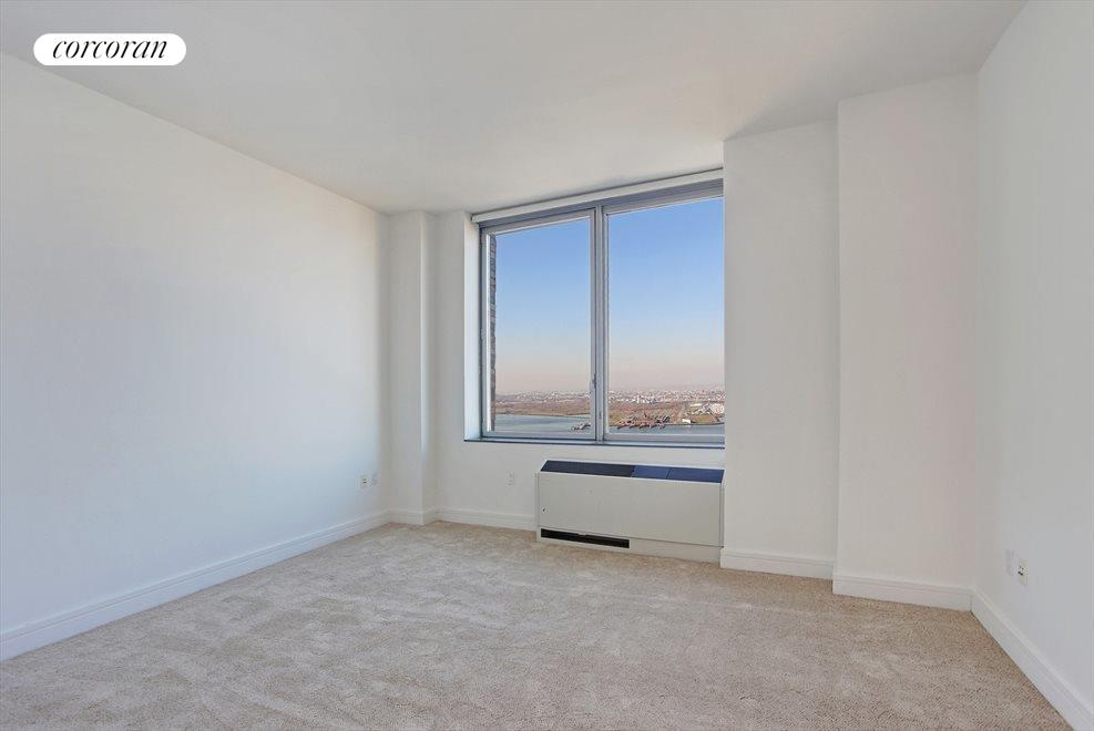 PH1A Master Bedroom with River Views