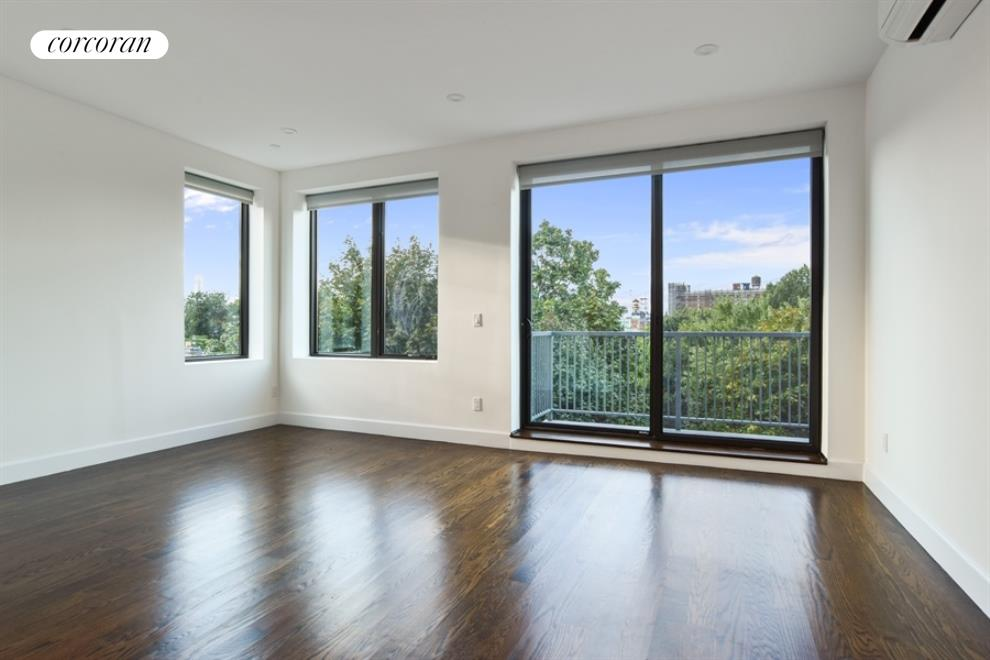 491 Myrtle Avenue, 4B, Living Room