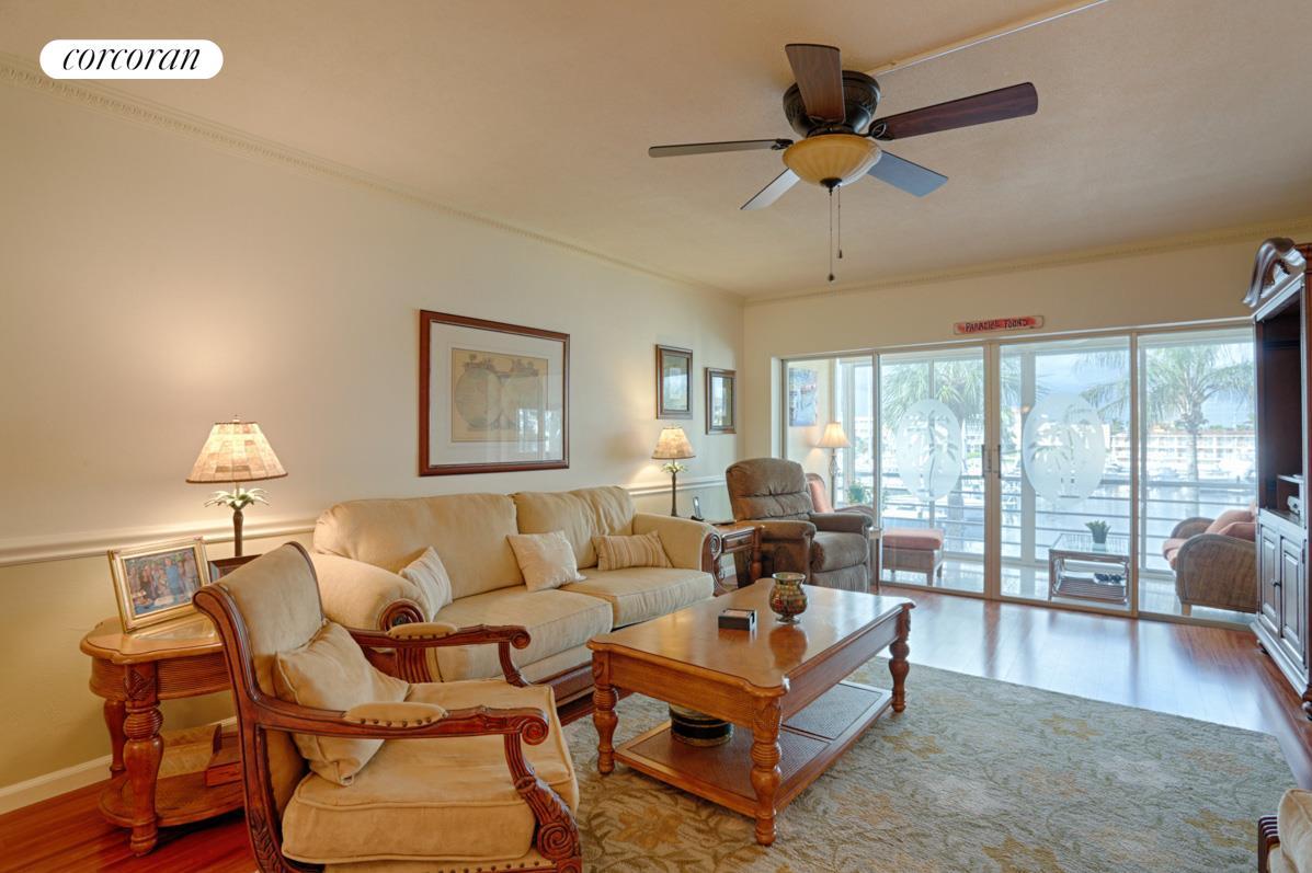 Corcoran, 29 Yacht Club Drive #307, North Palm Beach Real