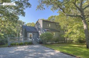 4 Renee's Way, East Hampton