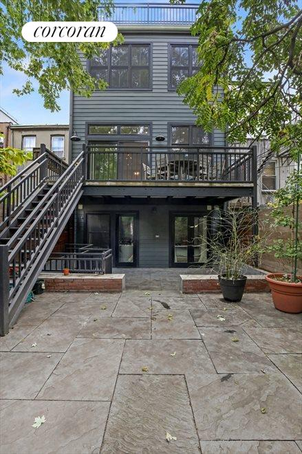 Large Deck off the Kitchen