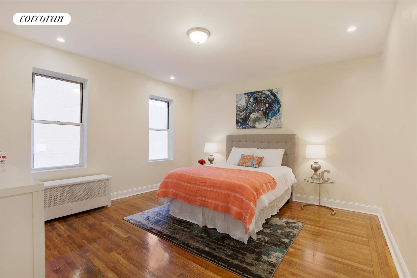 59-11 Queens Boulevard, 5M, Living Room