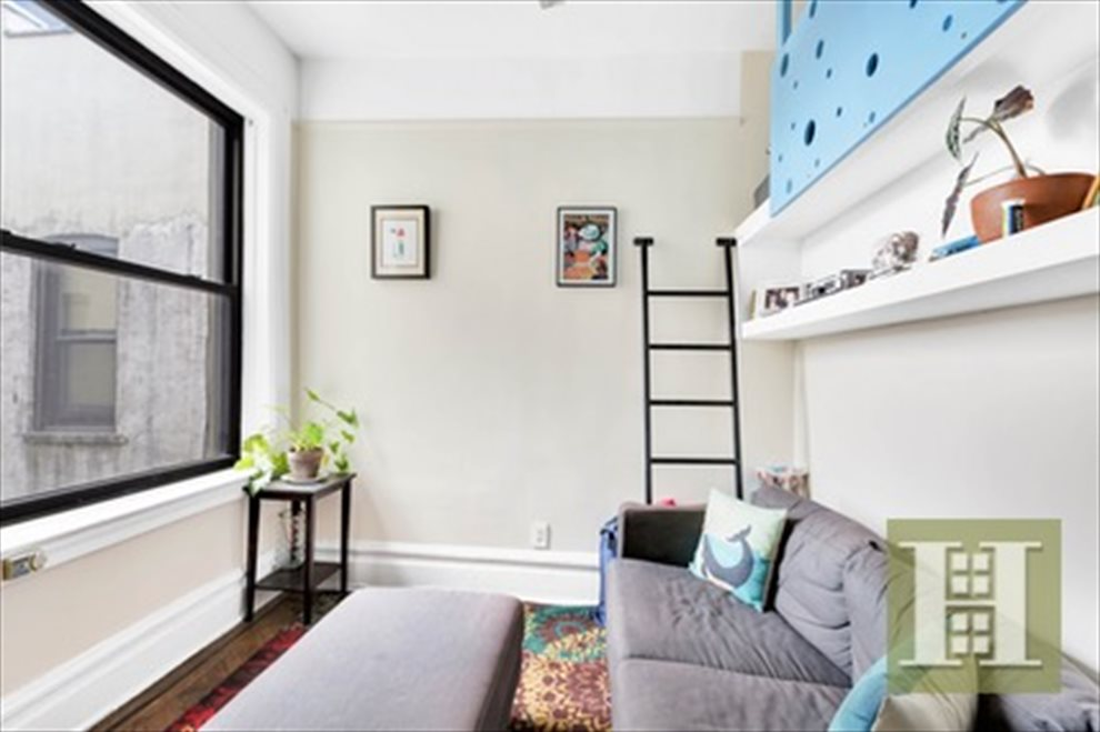 New York City Real Estate | View 8th Avenue | room 2